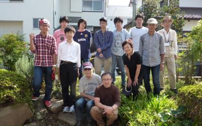 F邸(空き家を活用した多世代交流の場)の草刈、剪定を行いました。