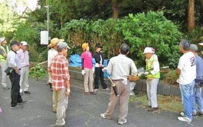 恒例の「緑のレンジャー」活動に協働作業で安全確保