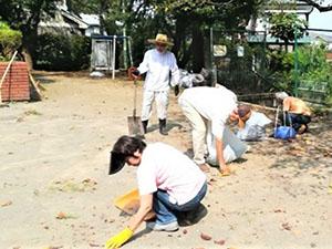 児童公園の安全・防災のため清掃用具入れ整備(町内会協働)とクリーン活動